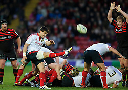 Munster Scrum-Half (#9) Conor Murray clears during the first half of the match - Photo mandatory by-line: Rogan Thomson/JMP - Tel: Mobile: 07966 386802 16/12/2012 - SPORT - RUGBY - Vicarage Road - Watford. Saracens v Munster Rugby - Heineken Cup Round 4.