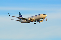 Westjet Boeing 737-800 makes a sunset landing in Vancouver (CYVR)