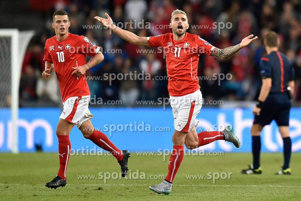 05.09.2015, St. Jakob Park, Basel, SUI, UEFA Euro 2016 Qualifikation, Schweiz vs Slowenien, Gruppe E, im Bild Granit Xhaka (SUI) und Jubel Valon Behrami (SUI) // during the UEFA EURO 2016 qualifier group E match between Switzerland and Slovenia at the St. Jakob Park in Basel, Switzerland on 2015/09/05. EXPA Pictures &copy; 2015, PhotoCredit: EXPA/ Freshfocus/ Urs Lindt<br /> <br /> *****ATTENTION - for AUT, SLO, CRO, SRB, BIH, MAZ only*****