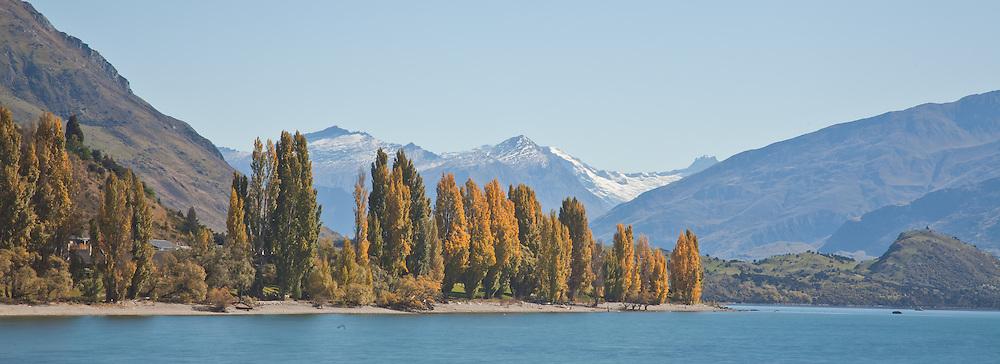 Autumn at Lake Wanaka, Central Otago, New Zealand