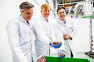 Koning opent nieuwe insectenkwekerij tijdens 10-jarig bestaan Protix