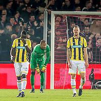 ROTTERDAM - Feyenoord - Vitesse , Voetbal , Eredivisie , Seizoen 2016/2017 , De Kuip , 16-12-2016 , Vitesse speler Marvelous Nakamba (l) Vitesse keeper Eloy Room (m) en Vitesse speler Maikel van der Werff (r) balen