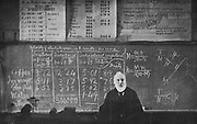 William Thomson, Lord Kelvin (1824-1907), Scottish mathematician and physicist. Kelvin giving his last lecture at Glasgow University, 1899