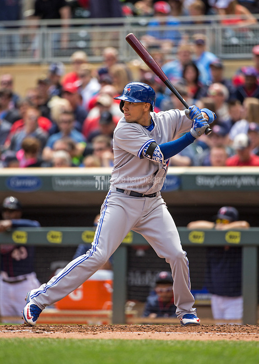 MINNEAPOLIS, MN- MAY 31: Ryan Goins #17 of the Toronto Blue Jays bats against the Minnesota Twins on May 31, 2015 at Target Field in Minneapolis, Minnesota. The Twins defeated the Blue Jays 6-5. (Photo by Brace Hemmelgarn) *** Local Caption *** Ryan Goins