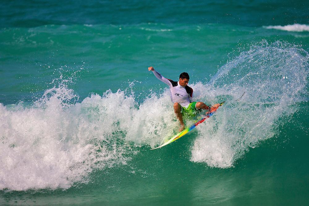 Graeme Fenton surfing in Dubai