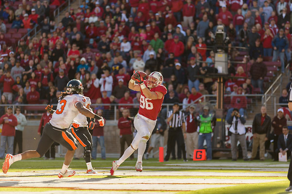 COLLEGE FOOTBALL:  Stanford vs Oregon State University, Nov 10, 2012 at Stanford Stadium.  Stanford won by a score of 27-23.  Zach Ertz #86
