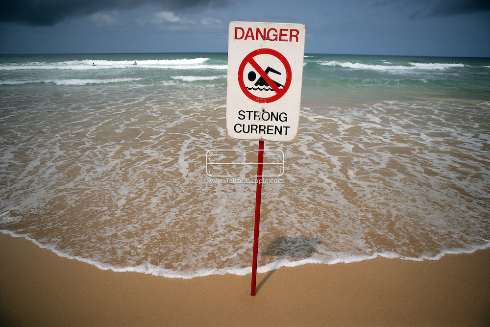 5th February 2007. Sydney, NSW. A lifeguard warning sign alerts the public to a 'strong current', at Manly beach, Sydney. PHOTO © JOHN CHAPPLE / REBEL IMAGES. .tel 310 570 9100.john@chapple.biz.www.chapple.biz.