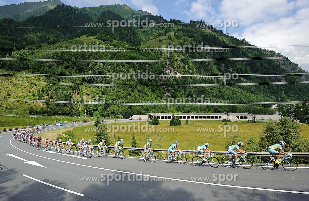05.07.2011, AUT, 63. OESTERREICH RUNDFAHRT, 3. ETAPPE, KITZBUEHEL-PRAEGRATEN, im Bild das Feld mit Fredrik Kessiakoff, (SWE, Pro Team Astana) am Felbertauern Pass // during the 63rd Tour of Austria, Stage 3, 2011/07/05, EXPA Pictures © 2011, PhotoCredit: EXPA/ S. Zangrando