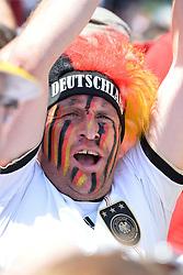 15.07.2014, Brandenburger Tor, Berlin, GER, FIFA WM, Empfang der Weltmeister in Deutschland, Finale, im Bild Fan der deutschen Nationalmannschaft (Fussball-Weltmeister 2014) // during Celebration of Team Germany for Champion of the FIFA Worldcup Brazil 2014 at the Brandenburger Tor in Berlin, Germany on 2014/07/15. EXPA Pictures © 2014, PhotoCredit: EXPA/ Eibner-Pressefoto/ Harzer  *****ATTENTION - OUT of GER*****