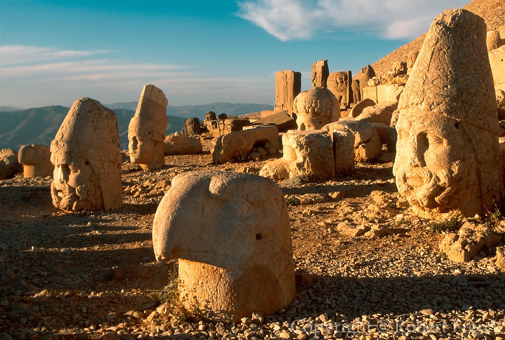 TURKEY, GREEK AND COMMAGENE NEMRUT DAGI; mtn. top shrine