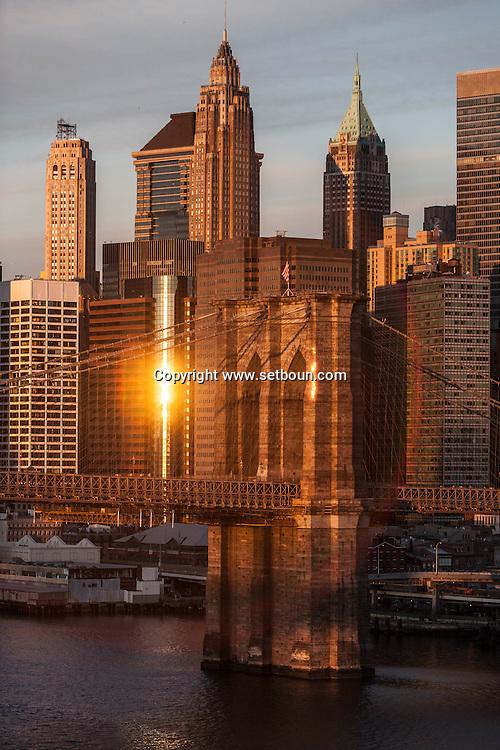 New York. general view on lower Manhattan,  Brooklyn bridge and east river , New York - United states  / vue generale sur  le bas de la ville, le pont de Brooklyn et l'east river, Manhattan  New York - Etats-unis