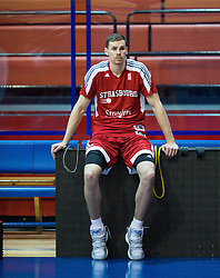 Erik Murphy of SIG Strassbourg at warming up prior to the basketball match between KK Cibona Zagreb (CRO) and SIG Strasbourg in Round #6 of FIBA Champions League 2016/17, on November 23, 2016 in Drazen Petrovic Basketball center, Zagreb, Croatia. Photo by Vid Ponikvar / Sportida