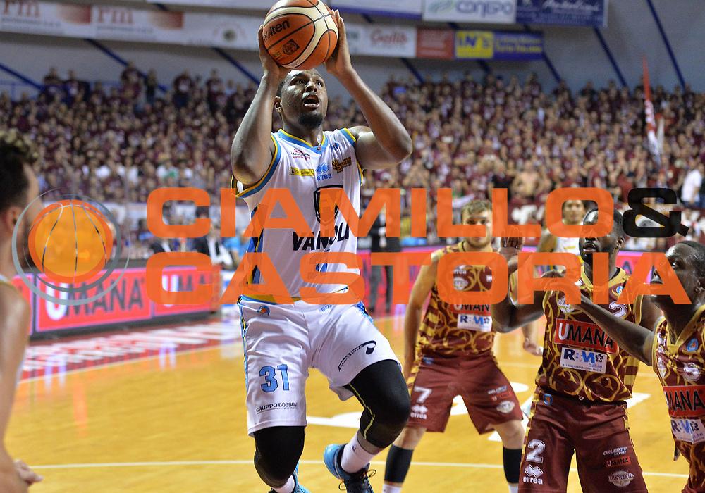 Venezia 12 Maggio 2016 - Campionato Basket Lega A Quarti di Finale Gara 3 Umana Reyer Venezia vs Vanoli Cremona - Foto Ciamillo/Michele Gregolin<br /> Nella Foto: Elston Turner