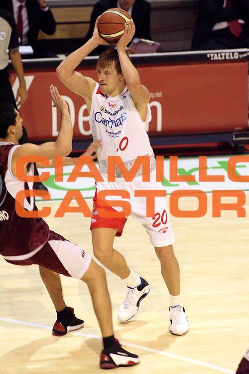 DESCRIZIONE : Pistoia Lega A2 2008-09 Carmatic Pistoia Livorno Basket<br /> GIOCATORE : Kazlauskas Arnas<br /> SQUADRA : Carmatic Pistoia<br /> EVENTO : Campionato Lega A2 2008-2009<br /> GARA : Carmatic Pistoia Livorno Basket<br /> DATA : 06/12/2008<br /> CATEGORIA : Passaggio<br /> SPORT : Pallacanestro<br /> AUTORE : Agenzia Ciamillo-Castoria/Stefano D'Errico