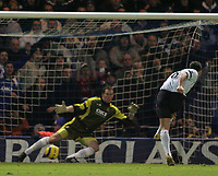 Photo: Lee Earle.<br /> Portsmouth v Chelsea. The Barclays Premiership.<br /> 26/11/2005. Chelsea's Frank Lampard beats Portsmouth keeper Jamie Ashdown to score from the spot.