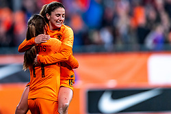 09-11-2018 NED: UEFA WC play-off final Netherlands - Switzerland, Utrecht<br /> European qualifying for the 2019 FIFA Women's World Cup - Lieke Martens #11 of Netherlands, Danielle van de Donk #10 of Netherlands
