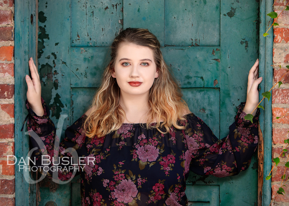 Erin is a bright and talented 2019 senior at Walpole High who has a passion for contemporary dance. As you can see, she totally killed it at her session.
