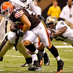 Oct 24, 2010; New Orleans, LA, USA; Cleveland Browns running back Peyton Hillis (40) runs with the ball against the New Orleans Saints during the first half at the Louisiana Superdome. Mandatory Credit: Derick E. Hingle