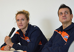 28-12-2015 NED: Teamfoto Nederlands Volleybalteam vrouwen, Arnhem<br /> Persconferentie Nederlands volleybalteam vrouwen met het oog op het Olympisch Kwalificatie toernooi en presentatie nieuwe hoofdsponsor / Maret Balkestein-Grothues #6