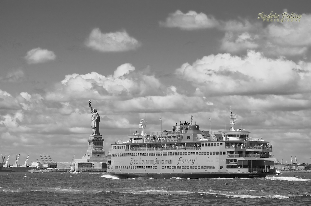 New York Harbor, Staten Island Ferry and Statue of Liberty