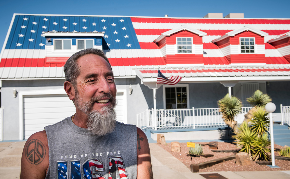 rer062817b/A1/June 28, 2017/Albuquerque Journal<br />  Rick Gabaldon(Cq) has displayed an American flag on the roof of his house on his West Mesa house in Albuquerque.  The image stretched the entire length of the roof. <br /> Albuquerque, New Mexico Roberto E. Rosales/Albuquerque Journal