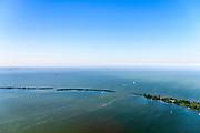 Nederland, Noord-Holland, Gooise Meren, 29-06-2018; De Drost, Warenar, Hooft, kunstmatig aangelegde eilandjes in het IJmeer, voor de kust van Muiden. Dienen als luwtedammen.<br /> Artifical islands, lee dams, near Amsterdam.<br /> <br /> luchtfoto (toeslag op standard tarieven);<br /> aerial photo (additional fee required);<br /> copyright foto/photo Siebe Swart