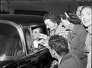 Sir John Barbirolli at Dublin Airport. 06/06/1957.