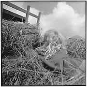 Hair, hay, haycart, clouds, summer, sun, blond, boy, girl, lange Haare, blond, im Heu, Heuwagen