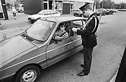 Nederland, Beek Ubbergen, 15-10-1986Grenscontrole bij deze kleine grensovergang bij Nijmegen.Foto: Flip Franssen/Hollandse Hoogte