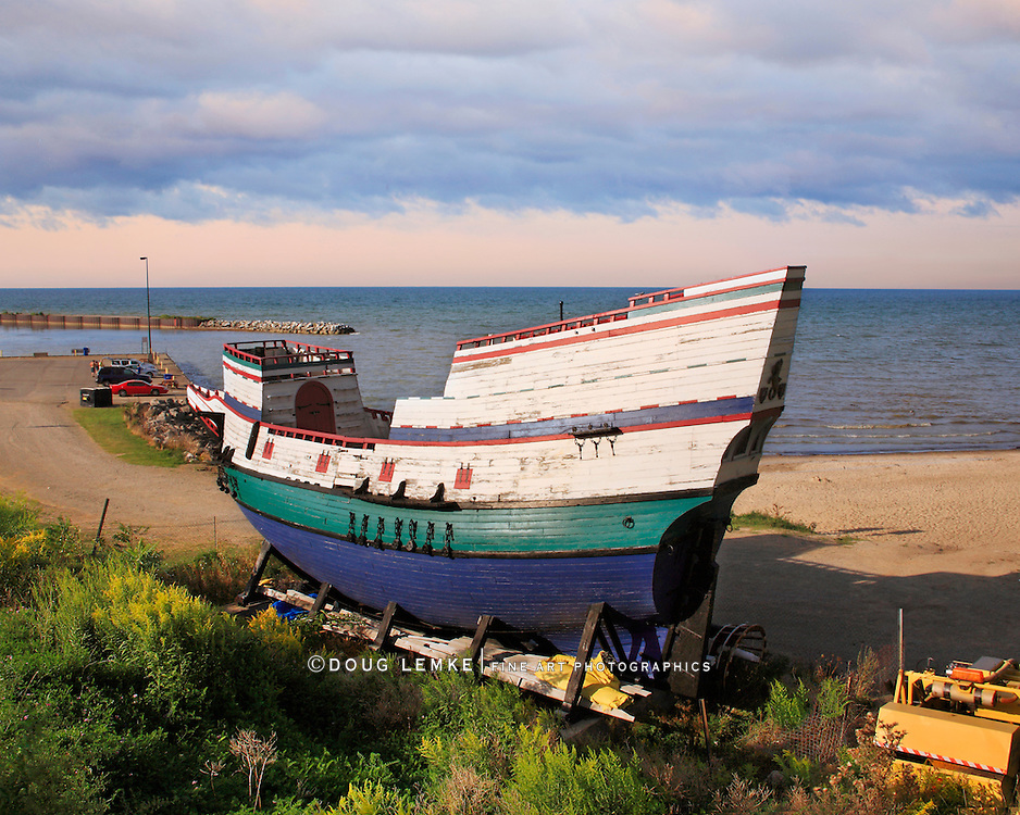 The Sea Lion Is A Replica Of A Late 16th Century British Three Masted, Square Rigged Sailing Ship Now Sitting Idle On Lake Erie At Barcelona Beach, Westfield New York, USA