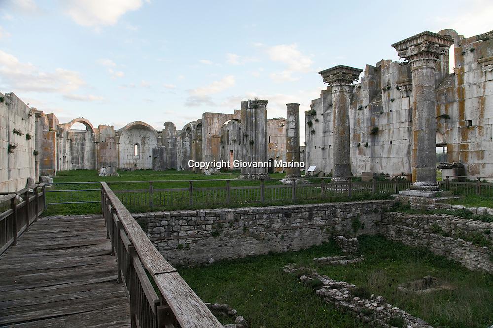 Venosa (PZ) Basilicata - Scorci di Venosa. L'Incompiuta