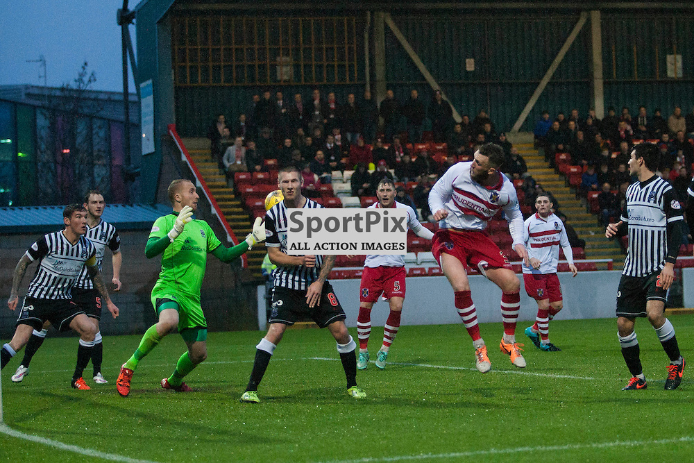 Elgin goalie Mark Hurst makes a superb save from this header by Stirling&rsquo;s Kevin McKinlay in the Stirling Albion v Elgin City Forthbank 05 December 2015<br />