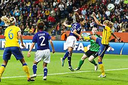 13.07.2011, Commerzbank Arena, Frankfurt, GER, FIFA Women Worldcup 2011, Halbfinale,  Japan (JPN) vs. Schweden (SWE), im Bild.Tor zum 2:1 durch Homare Sawa (Japan) (M) .. // during the FIFA Women´s Worldcup 2011, Semifinal, Japan vs Sweden on 2011/07/13, Commerzbank Arena, Frankfurt, Germany.   EXPA Pictures © 2011, PhotoCredit: EXPA/ nph/  Mueller       ****** out of GER / CRO  / BEL ******