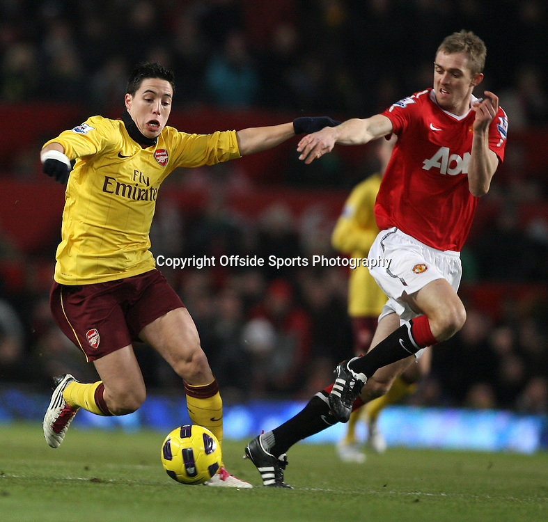 13/12/2010 - Barclays Premier League - Manchester United vs. Arsenal - Darren Fletcher of Man Utd battles with Samir Nasri of Arsenal - Photo: Simon Stacpoole / Offside.