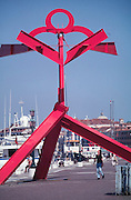 VENICE, ITALY..June 1995..46th Biennale of Venice.Erection of sculptures by Mark di Suvero..(Photo by Heimo Aga)