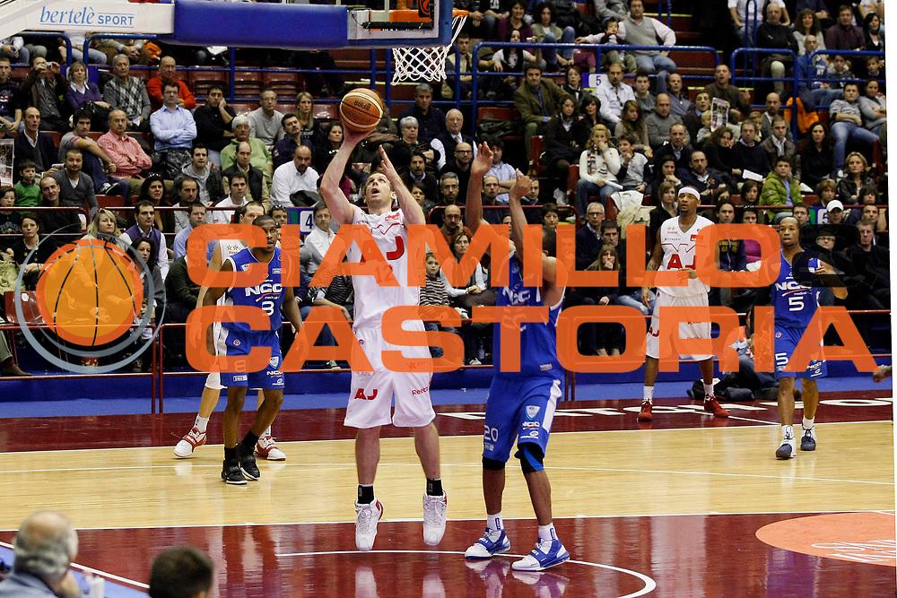 DESCRIZIONE : Milano Lega A1 2008-09 Armani Jeans Milano NGC Cantu<br /> GIOCATORE : Richard Mason Rocca<br /> SQUADRA : Armani Jeans Milano<br /> EVENTO : Campionato Lega A1 2008-2009<br /> GARA : Armani Jeans Milano NGC Cantu<br /> DATA : 16/11/2008<br /> CATEGORIA : Tiro<br /> SPORT : Pallacanestro<br /> AUTORE : Agenzia Ciamillo-Castoria/G.Cottini