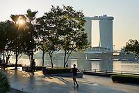 Singapour, Marina Bay, l'hotel Marina Bay Sands et le pont Helix// Singapore, Marina Bay, Marina Bay Sands hotel
