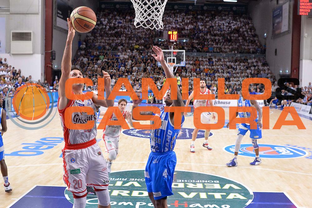 DESCRIZIONE : Sassari Lega A 2014-15 Dinamo Banco di Sardegna Sassari - Grissin Bon Reggio Emilia  Finale playoff  gara 3<br /> GIOCATORE :Cinciarini Andrea<br /> CATEGORIA :  Low Special Tiro Gancio<br /> SQUADRA : GrissinBon Reggio Emilia<br /> EVENTO : LegaBasket Serie A Beko 2014/2015<br /> GARA : Dinamo Banco di Sardegna Sassari - Grissin Bon Reggio Emilia Finale playoff gara 3<br /> DATA : 18/06/2015 <br /> SPORT : Pallacanestro <br /> AUTORE : Agenzia Ciamillo-Castoria /Richard Morgano<br /> Galleria : Lega Basket A 2014-2015 Fotonotizia : Sassari Lega A 2014-15 Dinamo Banco di Sardegna Sassari - Grissin Bon Reggio Emilia playoff Semifinale gara 3<br /> Predefinita :