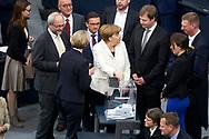Bundeskanzlerin Angela Merkel (CDU) wirft ihre Stimmkarte in die Urne bei der Wahl der Bundeskanzlerin im Bundestag in Berlin. / 14032018,DEU,Deutschland,Berlin