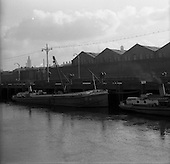 1957 - Scenes on the Liffey River, Dublin at Guinness's Wharf and Custom House.