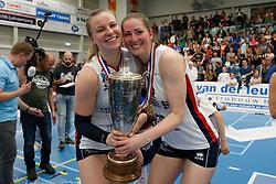 20190424 NED: Sliedrecht Sport - VC Sneek: Sliedrecht<br /> Sliedrecht Sport Nederlands Kampioen Volleybal Seizoen 2018 - 2019, Brechtje Kraaijvanger (2) of Sliedrecht Sport, Carlijn Ghijssen - Jans (10) of Sliedrecht Sport <br /> ©2019-FotoHoogendoorn.nl / Pim Waslander