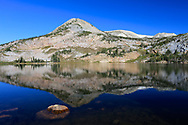 meAlpine lake in the Medicine Bow Peaks of Wyoming