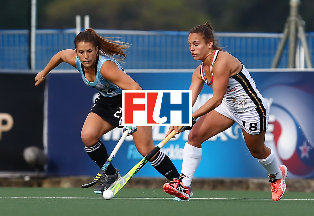 New Zealand, Auckland - 24/11/17  <br /> Sentinel Homes Women&rsquo;s Hockey World League Final<br /> Harbour Hockey Stadium<br /> Copyrigth: Worldsportpics, Rodrigo Jaramillo<br /> Match ID: 10307 - ARG-GER<br /> Photo: (18) ALTENBURG Lisa (C) against (29) GOMES Julia