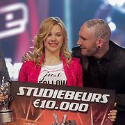 NLD/Aalsmeer/20120323 - Finale The Voice Kids 2012, winnares Fabienne Bergmans met Ben Saunders