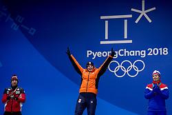 12-02-2018: Olympische Spelen: Dag 3: Pyeongchang<br /> Sven Kramer krijgt de gouden medaille op Medal Plaza voor zijn winnende rit op de 5000 meter schaatsen tijdens de Olympische Winterspelen van Pyeongchang