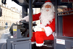 Santa is on hand as Edinburgh receives an early Christmas present from Lothian Buses with the arrival of 25 brand new buses.  Operating on route 22 the custom built buses feature USB charting pints, high backs and larger windows. The Euro 6 Volvo double deckers will meet strict emissions standards and help raise air quality in Edinburgh. (c) Brian Anderson | Edinburgh Elite media