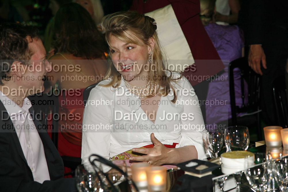 Lady Caroline Dalmany, Gala champagne reception and dinner in aid of CLIC Sargent.  Grosvenor House Art and Antiques Fair.  Grosvenor House. Park Lane. London. 14 June 2006. ONE TIME USE ONLY - DO NOT ARCHIVE  © Copyright Photograph by Dafydd Jones 66 Stockwell Park Rd. London SW9 0DA Tel 020 7733 0108 www.dafjones.com