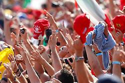 Motorsports / Formula 1: World Championship 2010, GP of Italy,  fans