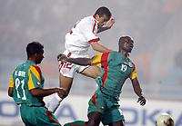 FOOTBALL - AFRICAN NATIONS CUP 2004 - 1/4 FINAL - 040207 - TUNISIA v SENEGAL - GOAL JAWHAR MNARI (TUN) / PAPA BOUBA DIOP (SEN) - PHOTO JEAN MARIE HERVIO / FLASH PRESS<br />  *** Local Caption *** 40001038