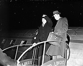 1952 - Taoiseach Eamon de Valera returning from the Netherlands at Dublin Airport